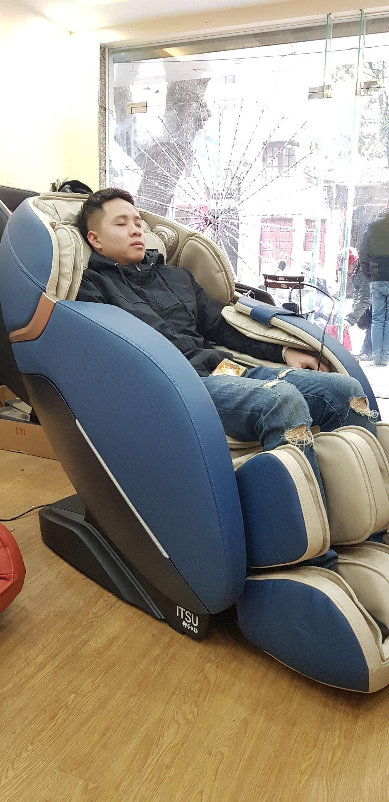 Ghế massage ITSU SU – 160